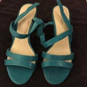 Kelly & Katie turquoise sandals NWOT 8.5